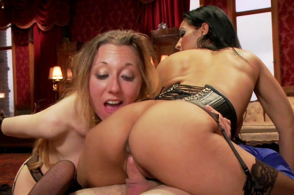 three sexy mistress in latex domina and fucks 2 slaves guy.