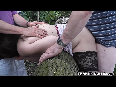 Asian crossdressers and transgenders with photos Outdoor