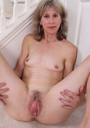 Common white wives pussy gallery