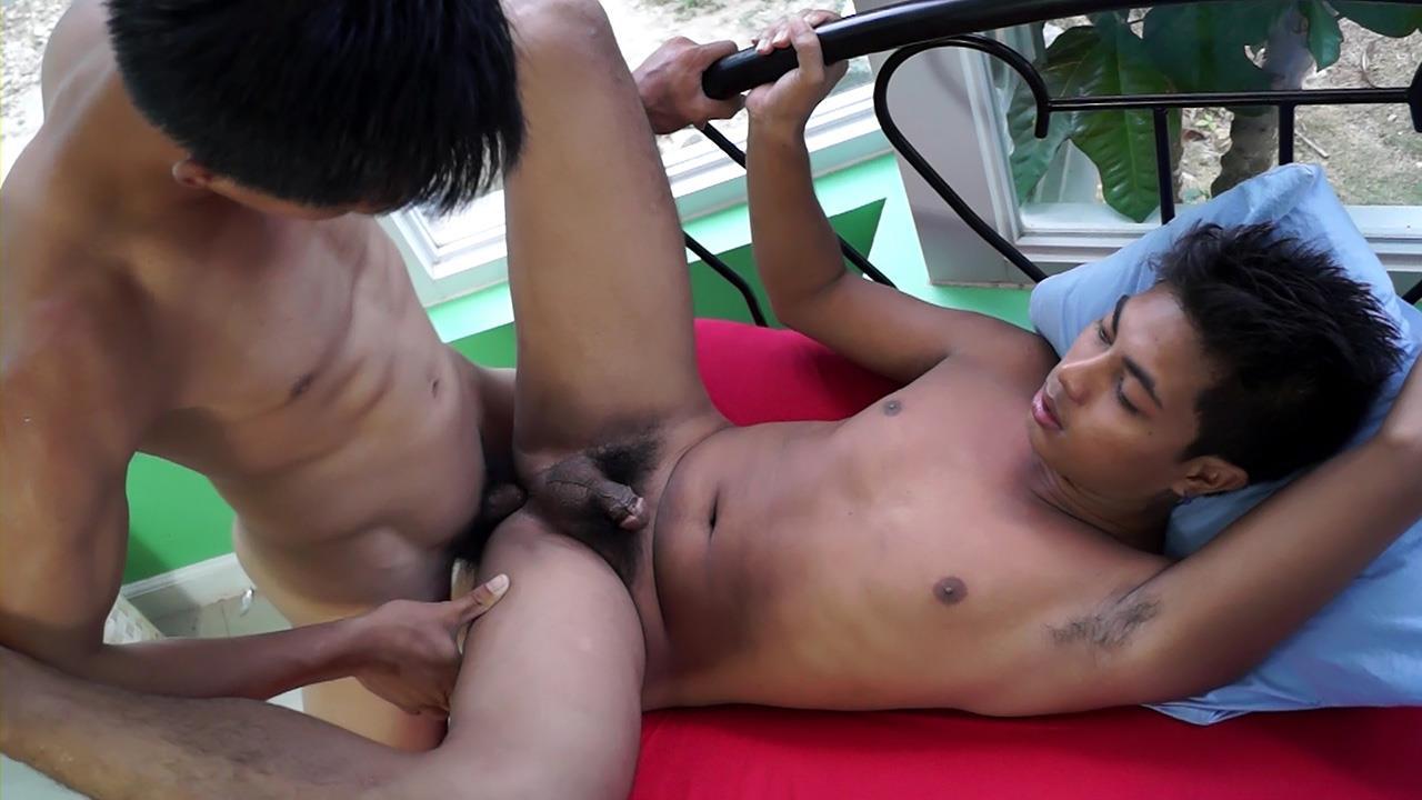 Twink asian handjob dick and pissing