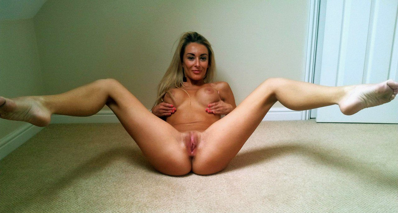 Jelly B. reccomend Skinny legs nude fucked