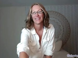 Huddle recommendet nerdy girl with glasses play with her cameltoe pussy and tits on omegle.