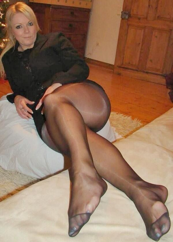 best of Pantyhose mature Nylons wives