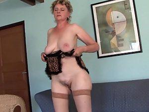 Mature women anal dildos