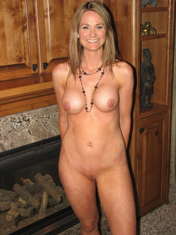 Naked milfs nude